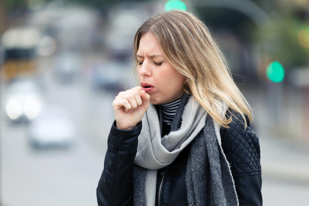 A köhögési roham is gyanús lehet: 5 jel, ami szívproblémára utalhat - Egészség | Femina