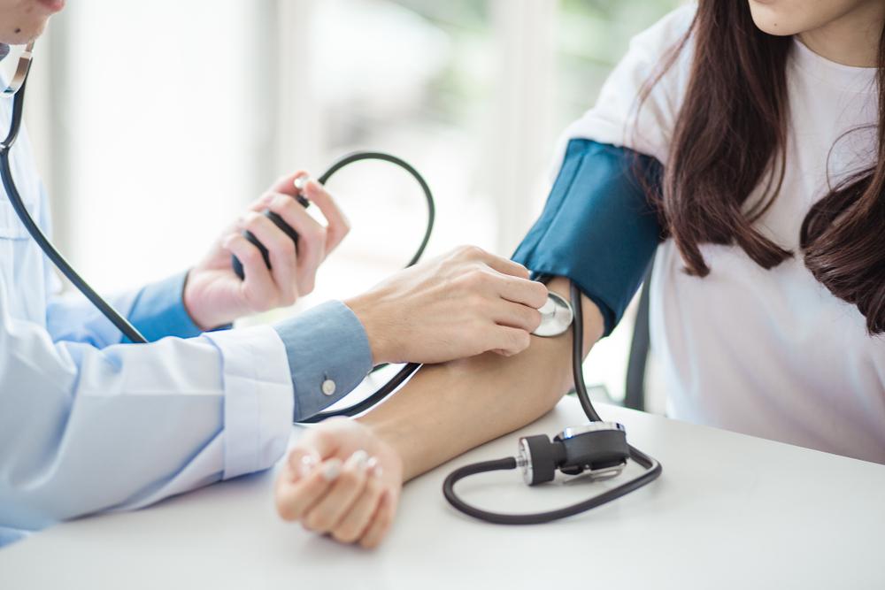 magas vérnyomásban szenvedő nép