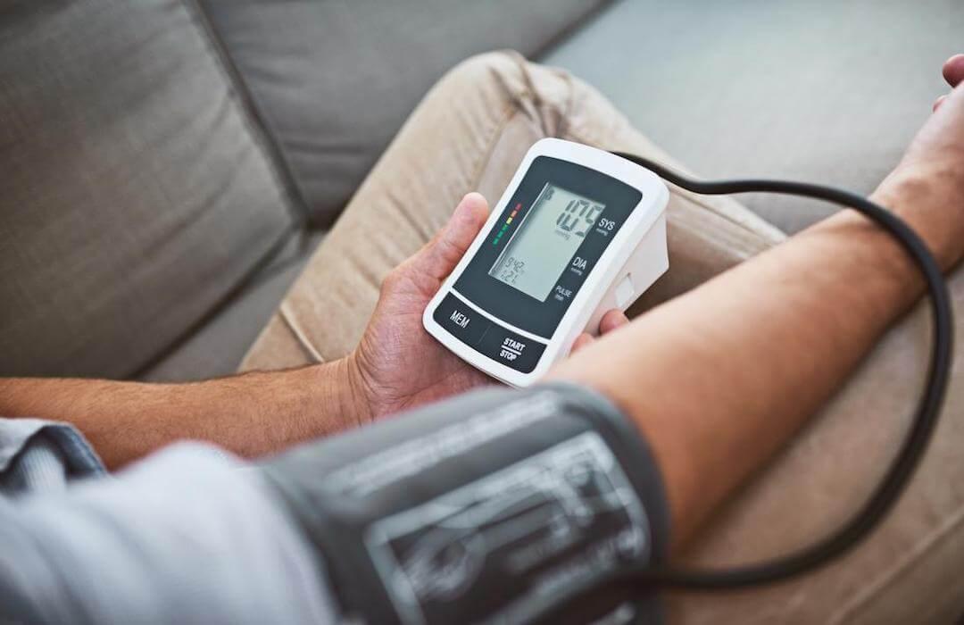 fiatalok magas vérnyomásának oka