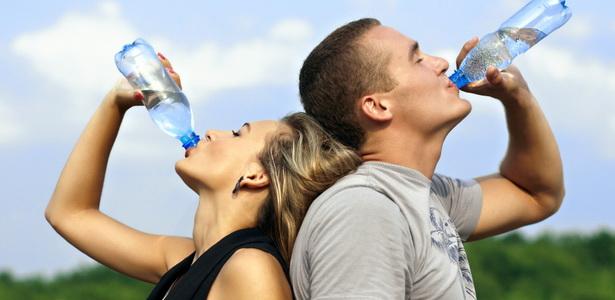 mennyi vizet kell inni naponta magas vérnyomás esetén