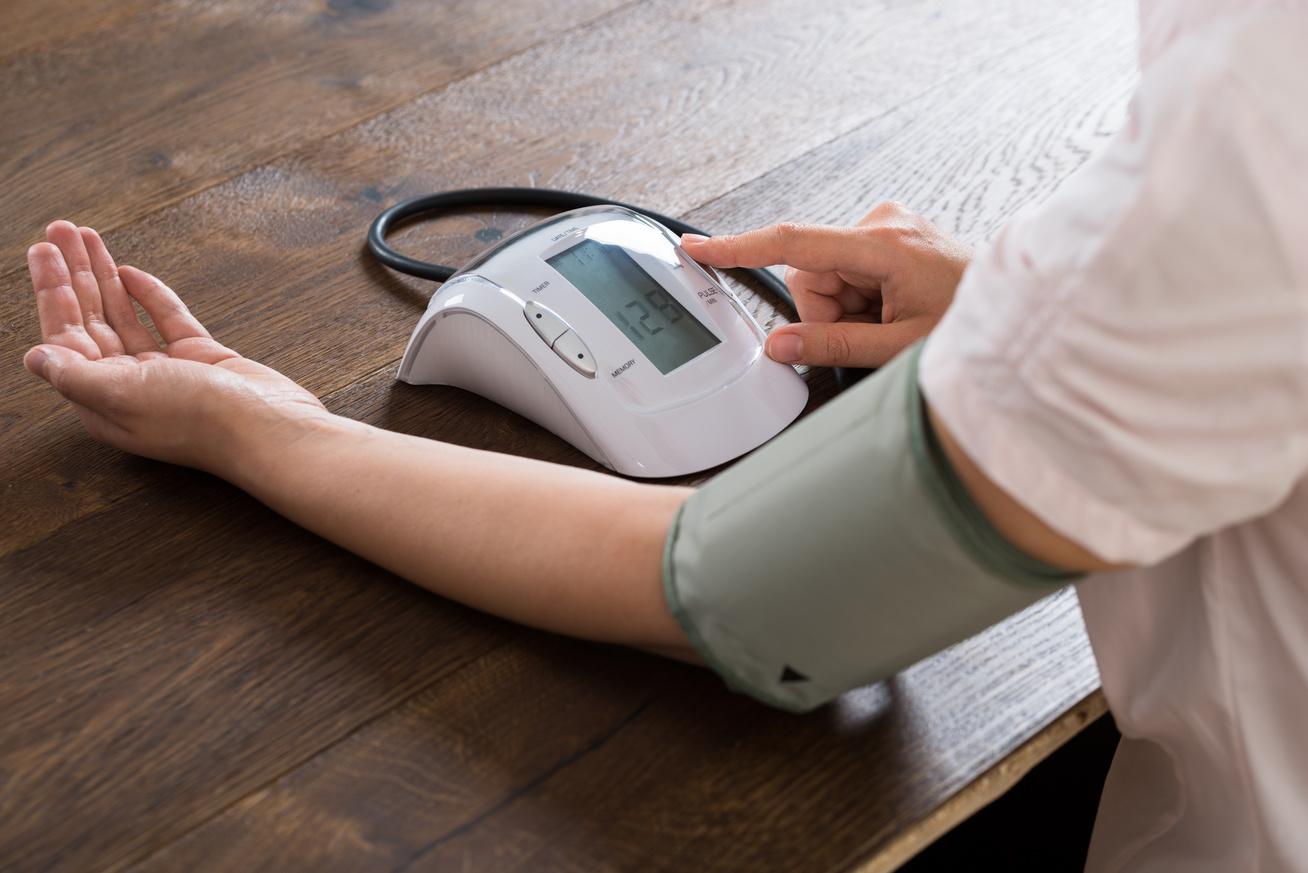 Magas vérnyomás is állhat a látásromlás hátterében - EgészségKalauz