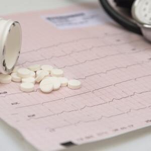 magas vérnyomás a torokban