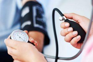 okai a magas vérnyomástól a hipotenzióig