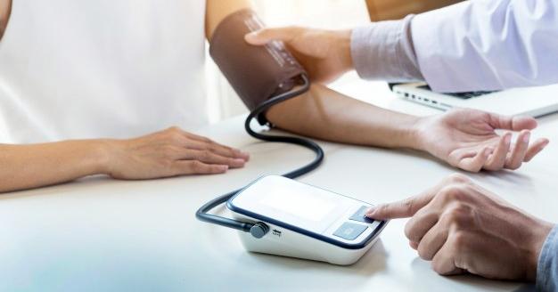 a magas vérnyomás azzal jár magas vérnyomás 1 fok amit ehet