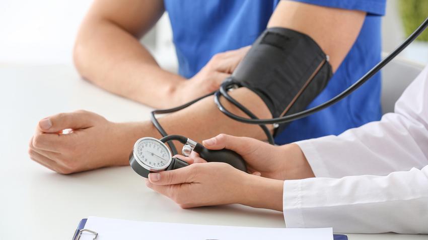 magas vérnyomás 2 fokos szív- és érrendszeri betegség kockázata