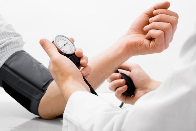 2 fokos magas vérnyomás korlátozásai